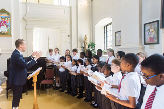 Tom Daggett and the pupils of St Saviour